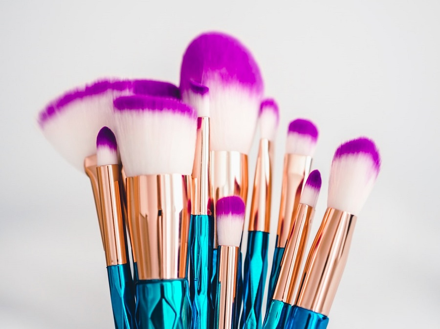 DIY Makeup Brush Cleaner - Learn Here